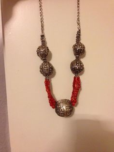 Antique Silver necklace with Coral Yemen arabian    قلادة فضية مع المرجان يمنيه