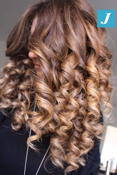 Le sfumature che desideri _ Degradé Joelle #cdj #degradejoelle #tagliopuntearia #degradé #igers #musthave #hair #hairstyle #haircolour #longhair #ootd #hairfashion #madeinitaly #wellastudionyc