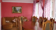 Raiskiy Ugolok Zaostrov'ye Set 31 km from Kaliningrad and 7 km from Svetlogorsk, Raiskiy Ugolok offers accommodation in Zaostrov'ye. The unit is 14 km from Zelenogradsk.  The unit fitted with a kitchen with an oven and microwave.