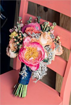 peony wedding bouquet @weddingchicks