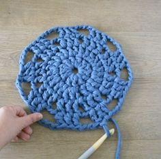 Le tapis crocheté en Trapilho {tuto} - Tricot & crochet - Pure Loisirs