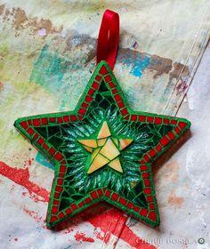 Star Ornaments of 2010 - Cherie Bosela - Fine Art Mosaics & Photography Mosaic Tile Designs, Mosaic Diy, Mosaic Crafts, Mosaic Projects, Mosaic Glass, Mosaic Tiles, Stained Glass, Craft Projects, Christmas Mosaics
