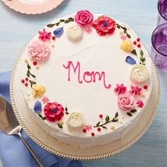 Birthday Cake For Mom, Pretty Birthday Cakes, Pretty Cakes, Cute Cakes, Birthday Cake Ideas For Adults Women, Birthday Cake With Flowers, Cake Decorating Designs, Cake Decorating Techniques, Simple Cake Decorating