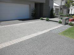 For quality exposed aggregate concrete in Perth visit EXCO WA. EXCO WA are the preferred choice in Decorative Concrete. Circle Driveway, Modern Driveway, Driveway Ideas, Concrete Color, Concrete Driveways, Modern Landscaping, Front Yard Landscaping, Exposed Aggregate Driveway, Road Pavement