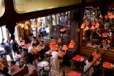 The best bars in Oberkampf for a Paris style bar crawl Bar Paris, Paris Bars, Café Restaurant, Restaurant Marketing, Restaurant Design, Rome Travel, Paris Travel, Travel Europe, Time Out