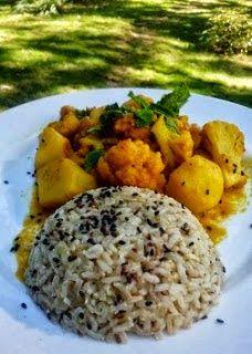 Mis Recetas Anticáncer: Curry de coliflor y patatas con arroz ayurvédico del blog La Cuchara Verde