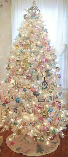 Vintage Ideas Pink shabby Christmas tree - When Christmas comes around, we all look to get the largest and best tree to decorate. However, the decorations are ultimately what makes a successful Christmas tree. Whether you're looking for glam Christmas. White Christmas Trees, Beautiful Christmas Trees, Noel Christmas, Pink Christmas, Christmas Tree Decorations, White Trees, Xmas Trees, Vintage Christmas Trees, Christmas Love