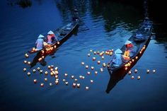 Молитва на реке. Ханой, Вьетнам #tuanlinhtravel #виза #вьетнам www.vietnam-visa-service.com/Russian/