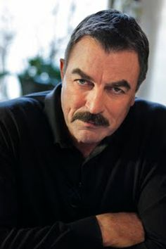 Blue Bloods ~ Tom Selleck, I put him on because he reminds me sooo much of my grandpa, and he even looks like him. Tom Selleck Blue Bloods, Blue Bloods Tv Show, People Of Interest, Raining Men, Por Tv, Dream Guy, Good Looking Men, Gorgeous Men, Beautiful People
