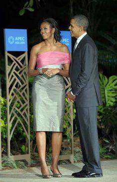 Mr President Obama and Former Lady Michelle Obama. Mr President Obama and Former Lady Michelle Obama. Joe Biden, Barak And Michelle Obama, Durham, Barack Obama Family, Obamas Family, Obama President, Malia And Sasha, Michelle Obama Fashion, Robinson