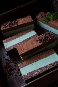 Chocolate Mint Slice from Deviliciously Raw #raw #vegan #nobake #healthy #dessert #recipe