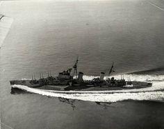 Boat wake ref British Navy Ships, German Submarines, Island Nations, Small Boats, Power Boats, Ship Art, Royal Navy, War Machine, Battleship