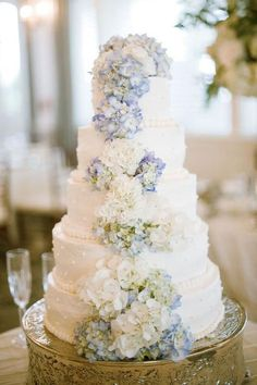 hydrangea cake @ Wedding Day Pins : You're Source for Wedding Pins!Wedding Day Pins : You're Source for Wedding Pins! Wedding Blog, Dream Wedding, Wedding Day, Wedding Photos, Wedding Vows, Wedding Vendors, Spring Wedding, Perfect Wedding, Wedding Reception