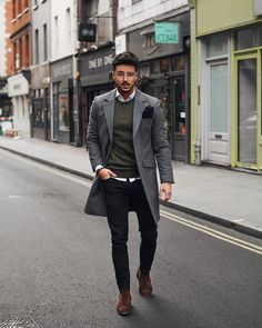 Tendances mode hiver 2019 in 2019 dress winter fashion outfi Stylish Men, Men Casual, Man Style Casual, Men's Style, Casual Chic, Chelsea Boots Outfit, Herren Style, Best Mens Fashion, Classic Mens Fashion