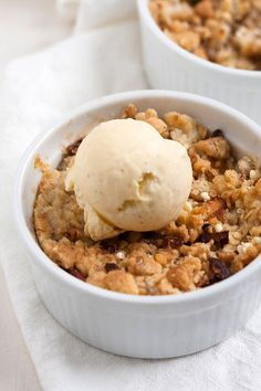 Einfacher Apple Crumble - List of the best food recipes Healthy Dessert Recipes, Easy Desserts, Cake Recipes, Shot Recipes, Pasta Recipes, Baking Recipes, Salad Recipes, Dessert Simple, Food Cakes