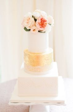 Wedding cake idea; Featured Photographer: Ashlee Taylor