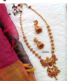 Gold Jewelry Making Ruby Bangles, Gold Jewelry Simple, Gold Models, Jewelry Model, Gold Jewellery Design, Jewelry Patterns, Necklace Designs, Indian Jewelry, Bridal Jewelry