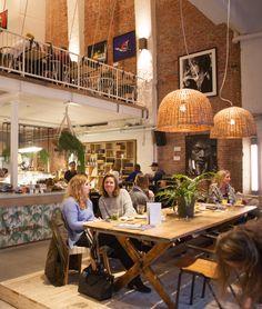 CT Coffee and Coconuts Amsterdam Hotspot Cafe Shop Design, Cafe Interior Design, Bistro Restaurant, Restaurant Design, Coffee To Go, Coffee Shop, Brunch Cafe, Cafe House, Coffee Design