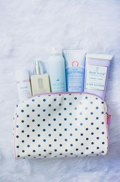 Bring your basic beauty essentials with you to the hospital to make sure you're feeling as fresh and radiant as possible! Lexie let us know some of her faves, check it out here > http://blog.guguguru.com/jadore-lexie-coutures-hospital-bag-petunia-pickle-bottom-giveaway/