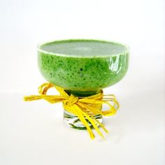 Banana, kiwi.. and spinach! Start Your day healthy with this amazing smoothie!