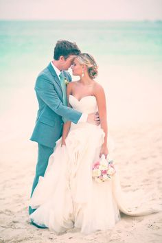 Beach wedding | Gallery & Inspiration | Picture - 593404 - Style Me Pretty