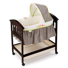 Classic Comfort Wooden Bassinet: Gift Ideas For A Second Pregnancy