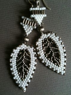 White & silver grey Russian leaf earrings by Jeka Lambert. Seed bead woven. Seed beads, metal beads.