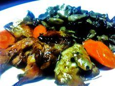 Codornices Escabechadas caseras. Codornices escabechadas con zanahorias y setas. Desde el inicio de nuestra andadura, es uno de nuestros platos favoritos. Restaurante Vinoteo Oviedo. c/ Campoamor, 29, Oviedo. T 984 08 16 96 #Asturias #Gastronomía #Calidad #ComidaCasera #Menu #HoraDeCenar #HoraDeComer #Comida #Comer #OviedoEstaDeModa #Foodie #FoodieLovers #Menú #GastroLovers #Fame #Vino #Vinos #IrDeVinos #Gastronomia #FoodPorn #Yummy