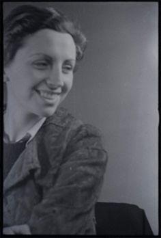 Gerda Taro by Fred Stein. 1935