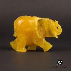 Big Gorgeous Butterscotch Color Baltic Amber Figurine Elephant 104gr  AV0145