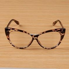 Retro Frauen Sexy Rahmen Brillen Mode Cat Eye Clear Lens Damen Brillen - Home Maintenance - No Make Up - Glasses Frames - Homecoming Hairstyles - Rustic House Cool Glasses, New Glasses, Cat Eye Glasses, Glasses Frames, Vintage Cat, Retro, Miu Miu, Eye Frames, Fashion Eye Glasses