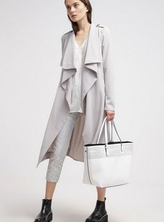 Object OBJANN trencz szary  Prochowiec ashes of roses trench grey waterfall