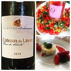 Merci à La Wineista pour cette photo d'accord parfait ! Friandises #foodpairing #instafood @vinsvaldeloire #loirelovers @vickywine @godblessbacchus @sanjeesandra @10_vins @toursatable #winelovers #lawineista