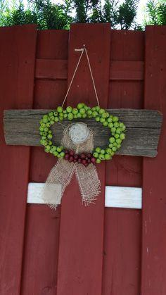 Christmas Wreaths, Crochet Earrings, Holiday Decor, Home Decor, Ideas, Holiday Burlap Wreath, Interior Design, Home Interior Design, Home Decoration