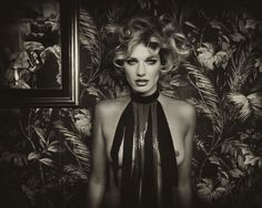 WallPaperGirlIII | Marc Lagrange, a fine art photographer