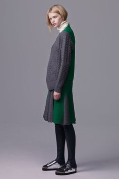 Sacai Luck Pre-Fall 2015 Fashion Show Modest Fashion, Love Fashion, Fashion Show, Fashion Design, Fashion Trends, Kinds Of Clothes, Clothes For Women, Sacai Luck, Knitwear Fashion