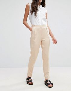 Get this Neon Rose's skinny trousers now! Click for more details. Worldwide shipping. Neon Rose Cigarette Trouser - Beige: Cigarette trousers by Neon Rose, Smooth woven fabric, High-rise waist, Concealed fly, Functional pockets, Tapered leg, Slim fit - cut close to the body, Specialist dry clean, 92% Polyester, 7% Elastane, Our model wears a UK S/EU S/US XS and is 170cm/5'7 tall. Neon Rose switches up its contemporary style from dusk till dawn, layering cool outerwear over relaxed playsuits…