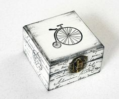 White Bicycle Treasury Box Jewelry box Wooden by MyHouseOfDreams - Before After DIY Shabby Vintage, Vintage Box, Storage Boxes With Lids, Decorative Storage Boxes, Storage Ideas, Decoupage Box, Decoupage Vintage, Memories Box, Painted Boxes