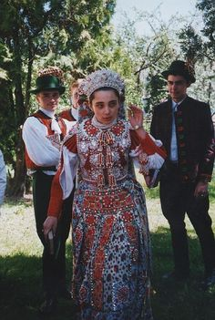 Folk Costume, Costumes, Art Populaire, Folk Dance, The Shining, Traditional Outfits, Hungary, Folk Art, Marie