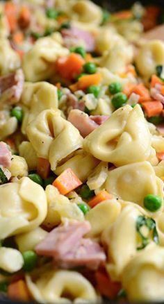 Get Tortellini Primavera Recipe from Food Network Pasta Recipes, New Recipes, Dinner Recipes, Cooking Recipes, Favorite Recipes, Healthy Recipes, Noodle Recipes, Pork Recipes, Salad Recipes