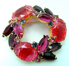 Vintage Juliana Art Glass Brooch Pink by ALLUWANTISHERETODAY, $40.00