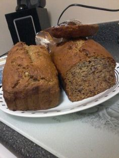 Banana bread (bread on left made with whole wheat flour, bread on right mad with all purpose).