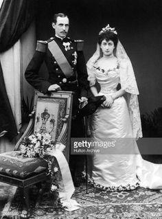 Nachrichtenfoto : King Haakon VII of Norway , and Queen Maud , the...