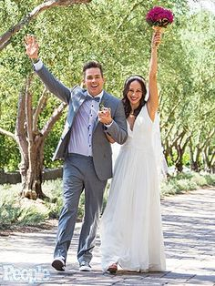Adorable!! Happiness at its best! Mark McGrath and Carin Kingsland Wedding Photo