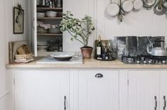 Kitchen Case Study: a British Standard kitchen in Kew Farmhouse Kitchen Interior, Country Kitchen Cabinets, Kitchen Decor, Kitchen Design, Kitchen Ideas, Kitchen Counters, Kitchen Cupboards, Smart Kitchen, Green Kitchen