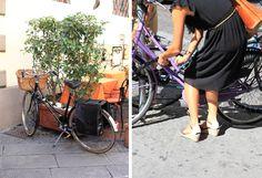 Włosi jeżdżą na vintageowych rowerach.