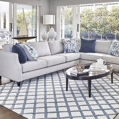 The New way to Rock Hamptons Style: Room by Room - Choosing the right rug is like choosing your fave Spice Girl – it's near on impossible! Blue And White Living Room, Blue Living Room Decor, Living Room Color Schemes, Coastal Living Rooms, Home Living Room, Living Room Designs, Die Hamptons, Hamptons Style Decor, Style At Home