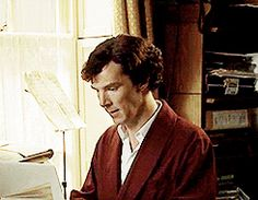 Sherlock. One of my new favourite gifs <-- I feel like I've been deduced... Loving it.<--but also feeling slightly insecure