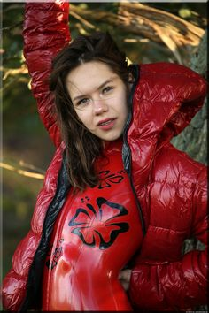 Nylons, Down Winter Coats, Latex Girls, Latex Fashion, Edgy Outfits, Rain Wear, Catsuit, Puffer Jackets, Pin Up