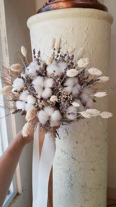 Dried Flowers Bouquet Beach Wedding Ideas 2019 Maid Of Honor Gift To B – walnuttal Dried Flower Bouquet, Flower Bouquet Wedding, Dried Flowers, Floral Wedding, Rustic Wedding, Boho Wedding, Deco Floral, Floral Design, Dried Flower Arrangements